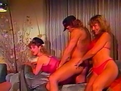 Five alluring chicks in bisexual fun