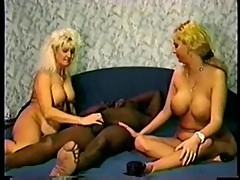 Threesome interracial vintage action