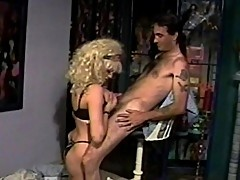 Blonde babe has saggy breasts and gaping slit