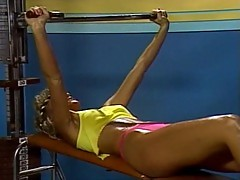 Sporty vintage hoe nailed in a gym