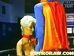 Superman has supersex 3some