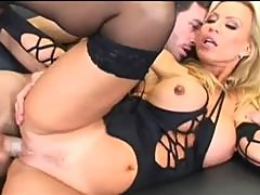 Sexy Bombshell Amber Lynn Gets Fucked Hard And Fast